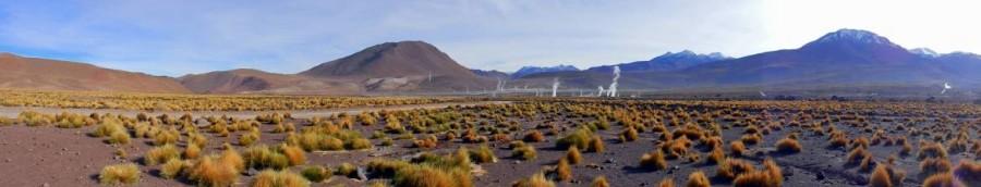 Chile, Atacama Tour | Atacama Wüste, Panorama nach Sonnenaufgang im Gebiet der Geysire rund um den Vulkan El Tatio