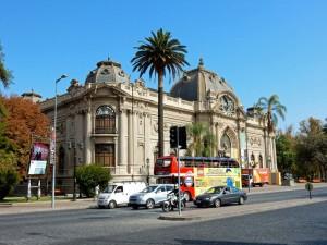 Santiago de Chile | interessante Orte: Museo de Bellas Artes. Blick auf das Museumsgebäude