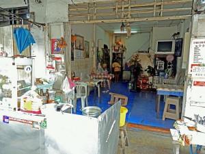 Thailand | Typische Garküche in der Straße Samsen Soi 4