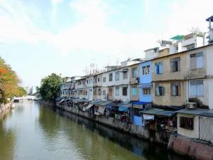 Thailand | Wohnhäuser am Kanal des Chao Phraya Flusses
