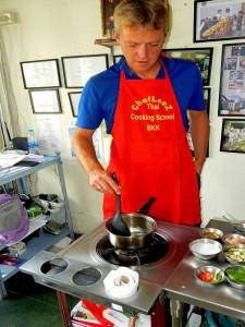Thailand | Chefkoch Henning beim Besuch der Kochschule in Bangkok