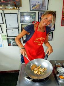 Thailand | Pad Thai Zubereitung in der Kochschule in Bangkok