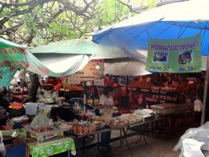 Thailand | Markt in Bangkok. Typischer Straßenmarkt