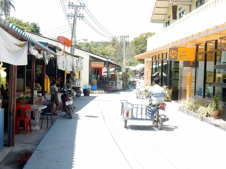 Thailand | Nebenstraße auf Ko Lipe in der Nähe des Sunrise Beach
