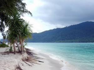 Thailand | Strandspaziergang am Sunrise Beach ganz im Norden auf Ko Lipe
