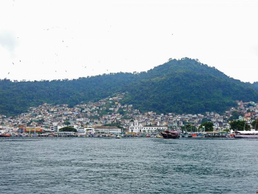 Brasilien | Ilha Grande, Aus Angra dos Reis fahren täglich zahlreiche Boote auf die Insel