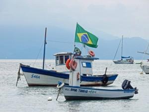 Brasilien | Ilha Grande, Fischerboote vor der Insel