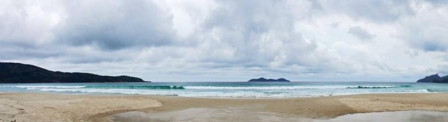 Brasilien | Ilha Grande, Der Lopes-Mendes-Strand ist besonders unter den Surfern beliebt