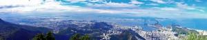Brasilien | Rio de Janeiro, Panorama-Blick vom Corcovado mit der Zona Oeste links und dem glockenförmigen Zuckerhut rechts