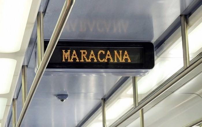 Brasilien | Rio de Janeiro, Die moderne Metro ist ein sicheres Mittel zur Fortbewegung mit Digitalanzeige in den Wagons