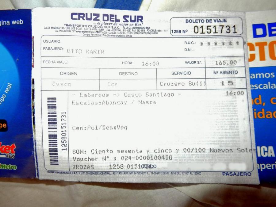Peru | Das Bus-Ticket von Cruz del Sur kostet 165 Soles für die Fahrt von Cusco über Abancay nach Ica. Nahaufnahme unseres Bus-Tickets