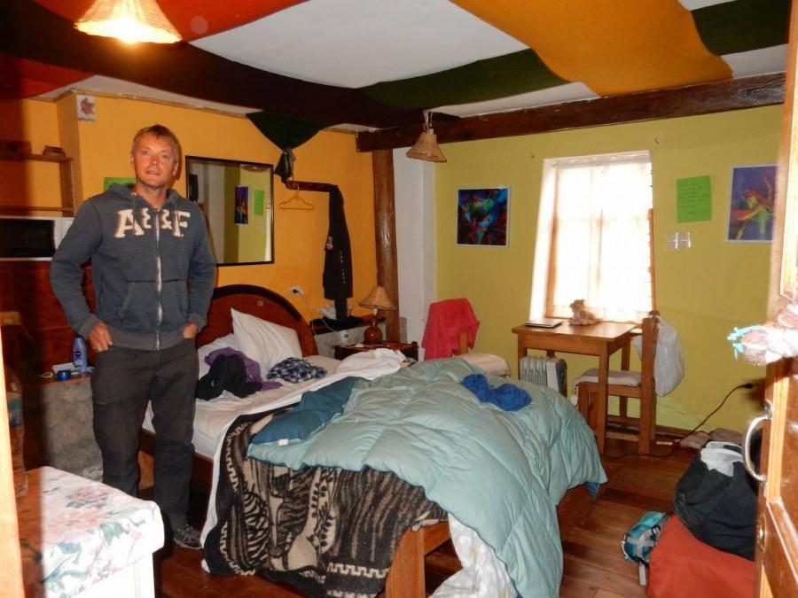 Peru | Casa de Mama in Cuzco im Stadtteil San Blas. Blick in unser Zimmer, Henning steht in der Mitte