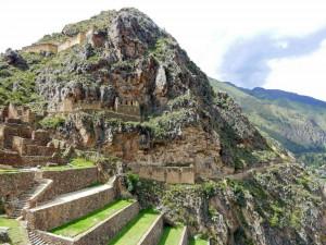 Peru | Heiliges Tal, Ollantaytambo Ruinen, Terrassen der Inkas. Blick auf meterhohe Terrassen die zur Landwirtschaft genutzt wurden