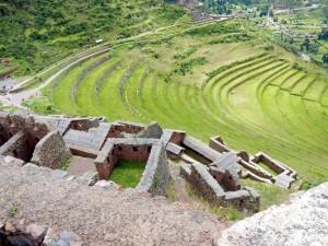 Peru | Heiliges Tal, Typische Wohnhäuser und Landwirtschaft-Terrassen in den Ruinen von Pisac. Blick von oben