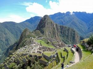 Peru | Machu Picchu, Panorama von unserer Mittagspause mit Blick auf Huayna Picchu und die Inka-Ruine
