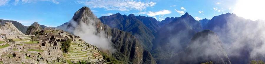 Peru | Machu Picchu, Panorama in der Inka-Stadt bei Sonnenschein