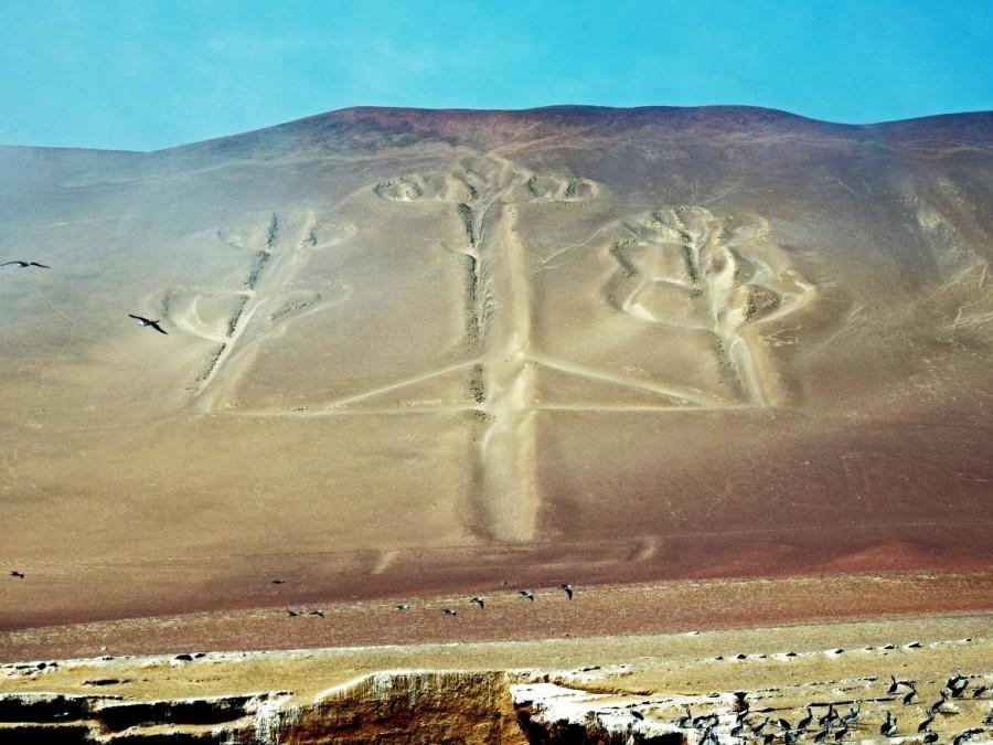 Peru | Paracas, Islas Ballestas Tour, El Candelabro de Paracas, der Kerzenleuchter von Paracas ähnelt den Nazca-Linien