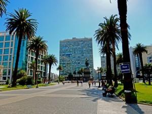 Montevideo | Sehenswürdigkeiten: Der Plaza Independencia ist das Zentrum der Stadt und der Übergang von der Altstadt zum modernen Downtown.