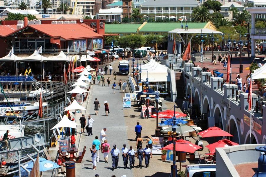 Südafrika | Kapstadt, V&A Waterfront der Touristen-Hotspot. Blick von aben auf die