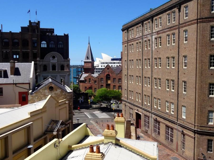 Australien | Sydney, Stadtteil The Rocks mit Blick auf die Oper