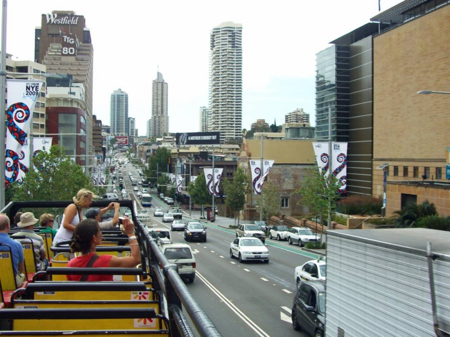 Australien | Sydney, Hop on hop off Bus. Blick von Deck des Sightseeing Bus im Stadtzentrum Central Business District