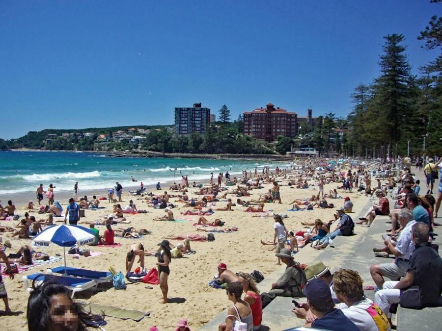Australien | Sydney, Surfer-Strand von Manly. Blick auf den Strand mit vielen Badenden und Sonnenanbetern