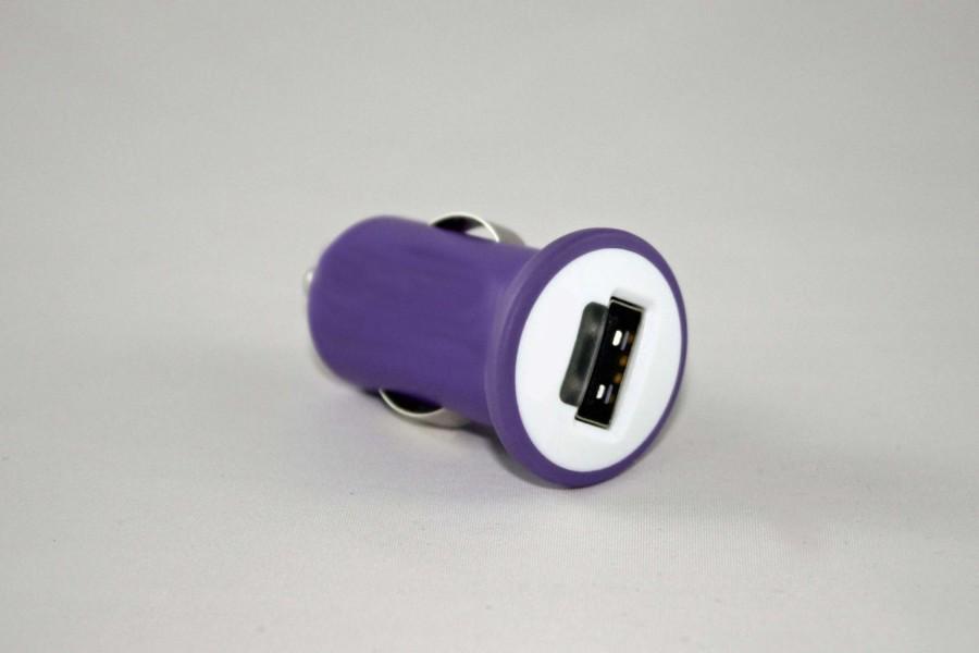 Mit einem USB-Stecker lassen sich die meisten Geräte praktisch z.B. im Mietwagen laden, auch wenn die Powerbank mal schlapp macht