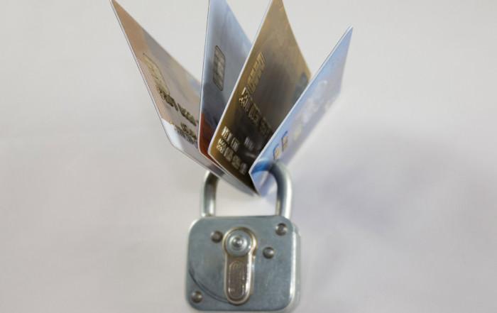 Kartensperrung | Auf einer Reise ist es im Fall von Verlust oder Diebstahl praktisch, seine Daten auf einer Checkliste parat zu haben