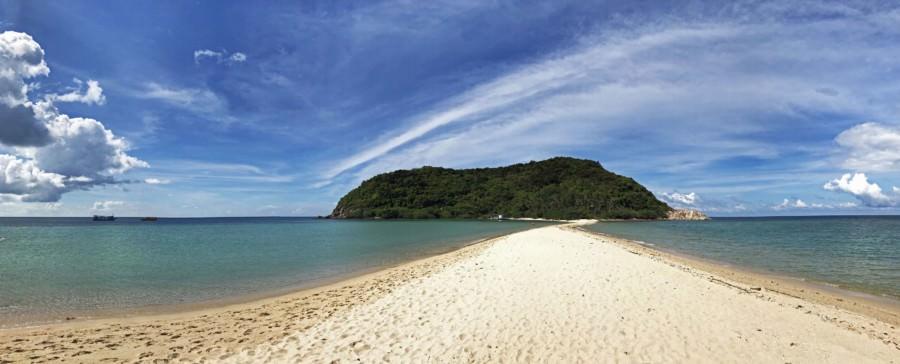 Thailand|Top-Sehenswürdigkeit und interessante Orte-Highlight auf Koh Phangan, das auf jeden Fall einen Besuch wert ist, der Haad Mae Haad Strand mit der Landzunge zur Insel Koh Ma