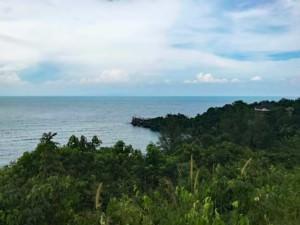 Thailand |Koh Phangan, Panorama vom Aussichtspunkt zum Haad Son bzw. Secret Beach. Blick über den Urwald auf das Meer