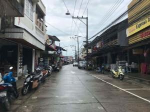 Thailand |Koh Phangan, Thongsala Walking Street bei Regen