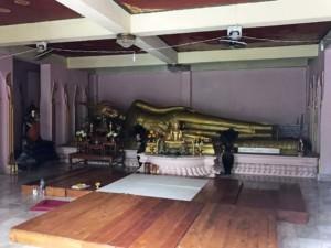 Thailand |Koh Phangan, liegender Buddha im Wat Khao Tham Tempel