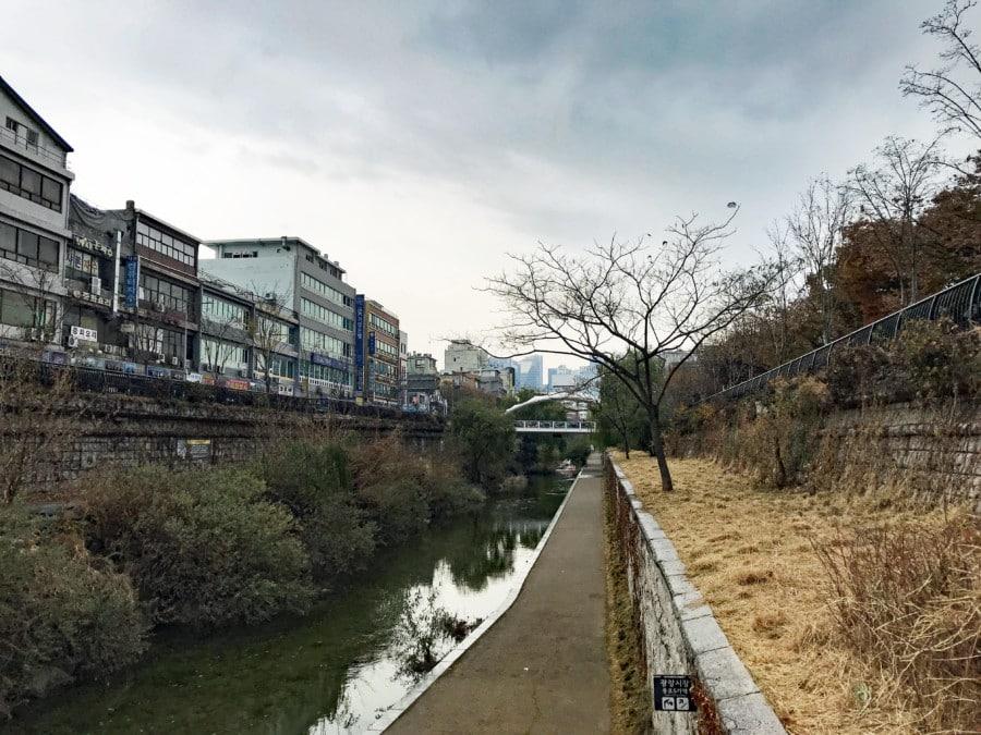 Südkorea | Seoul, Blick auf den Fluss Cheonggyecheon