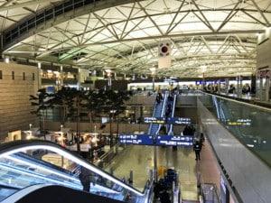 Südkorea | Flughafen Seoul Incheon, ICN. Blick auf die Ankunfts- und Abflughalle im Inneren