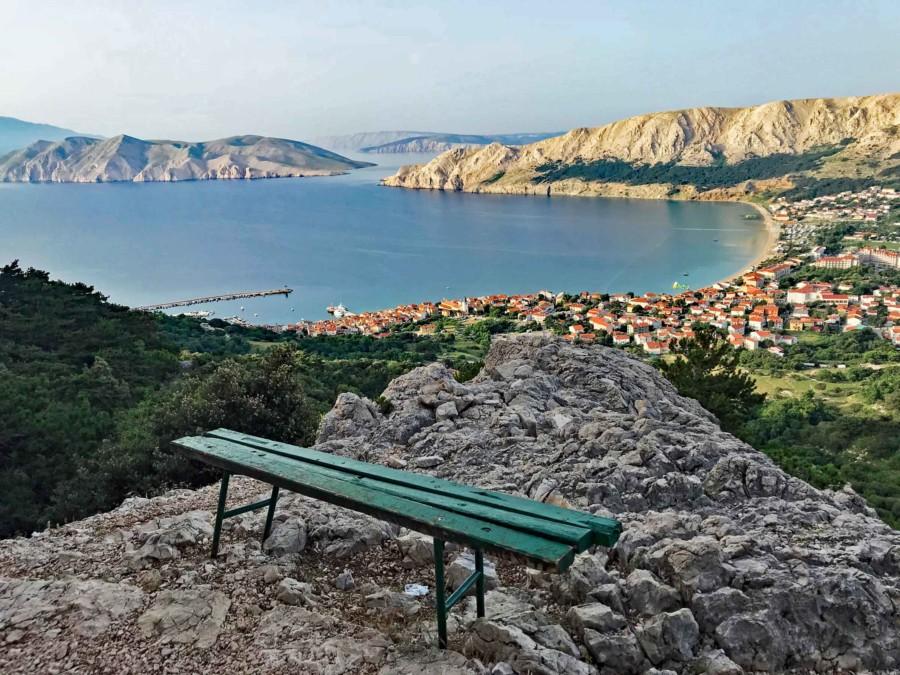Warten auf Bank Kroatien Punat