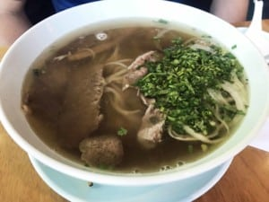 Typische Gerichte: Nudelsuppe mit Rindfleisch und Reisnudeln