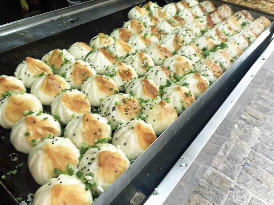 Typische Gerichte in China: Shangjian, Boazis, Teigtaschen