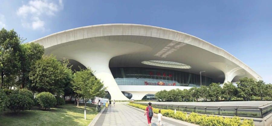 Interessante Orte & Sehenswürdigkeiten: East Railway Station in Hangzhou Panorama