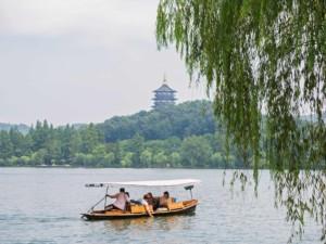 Guide & Tipps: Typische idyllische Szene am Westsee West Lake Hangzhou