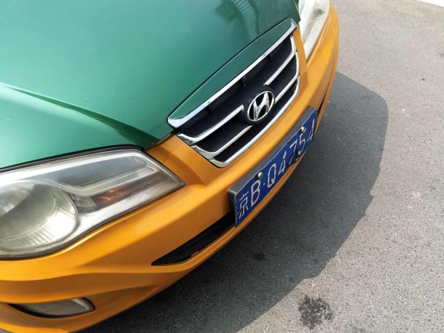 """Beim Taxi fahren in Peking erkennst Du offizielle Taxis an dem """"B"""" im Kennzeichen"""
