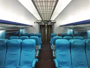 Fortbewegung vom Flughafen: Transrapid Shanghai Maglev Train (SMT), zweite Klasse