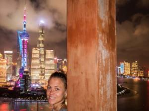 Unser Highlight & Tipp: Aussicht zum Sonnenuntergang von der Vue Bar auf den Bund mit Oriental Pearl Tower