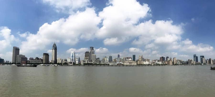 Panorama auf die Kolonialbauten am Bund in Shanghai