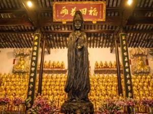 Buddha-Figuren im Jade Buddha Tempel