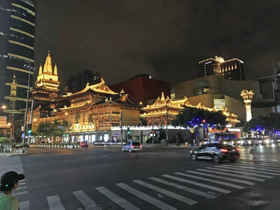 Jing'an Tempel bei Nacht