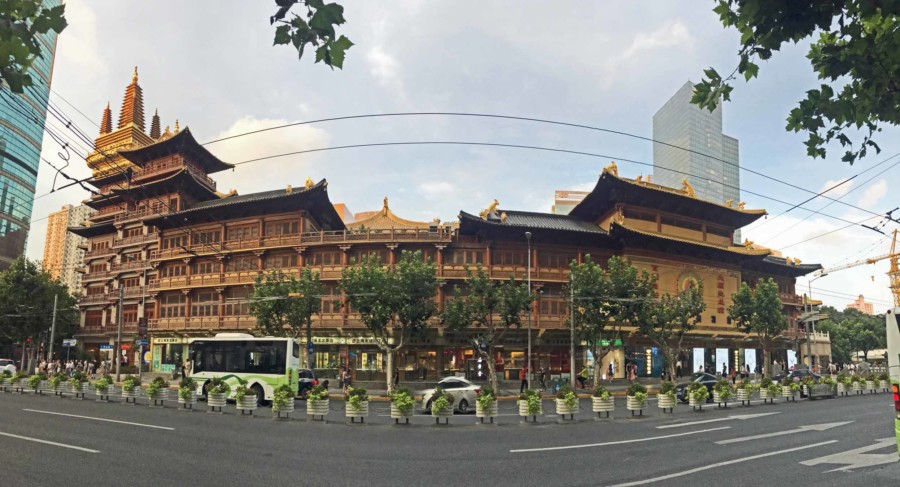 Panorama des Jing'an Tempel im Stadtteil French Concession in Shanghai