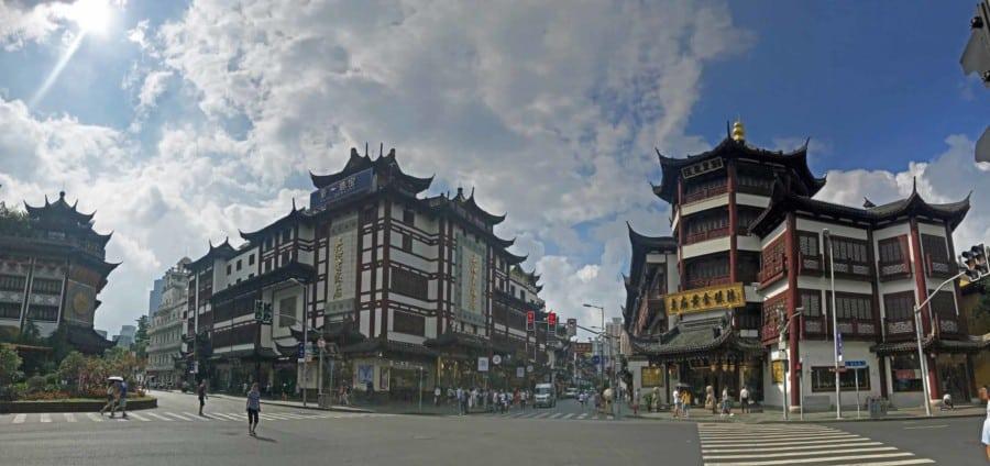 Sehenswürdigkeiten & interessante Orte in Shanghai: Die Umgebung und Eingang zum Yuyuan Garten