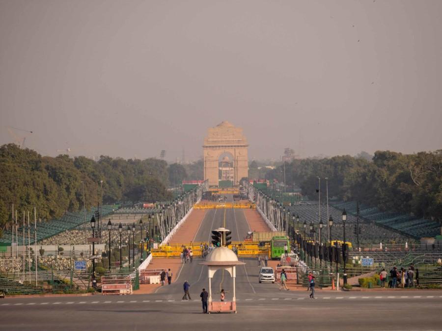 Neu-Delhi: Die Straße Rajpath verbindet das India Gate mit den Parlamentsgebäuden