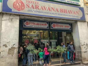 Restaurant Tipp in Delhi: das Hotel Saravana Bhavan ist bekannt für Südindische Spezialitäten