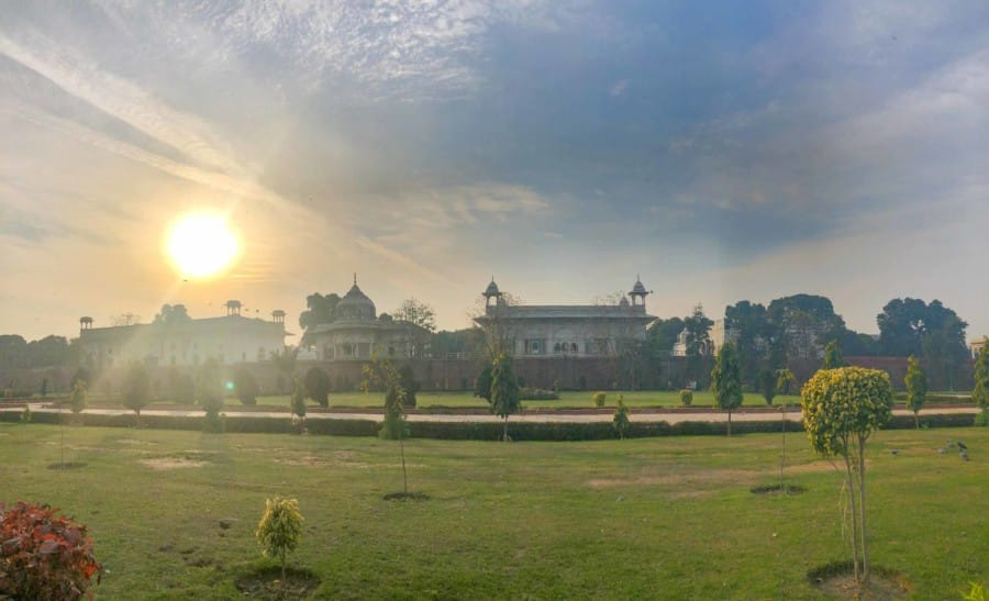 Das Rote Fort in Delhi bei Sonnenuntergang